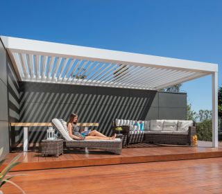 relaxing-stratco-under-pavilion-allure