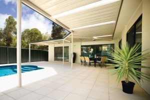 outdoor-patio-pool-and-stratco-outback-sunroof